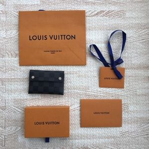 Louis Vuitton Damier Graphite Credit Card wallet